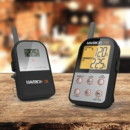 XR-30 REMOTE THERMOMETER WITH INSTA-SYNC® TECHNOLOGY